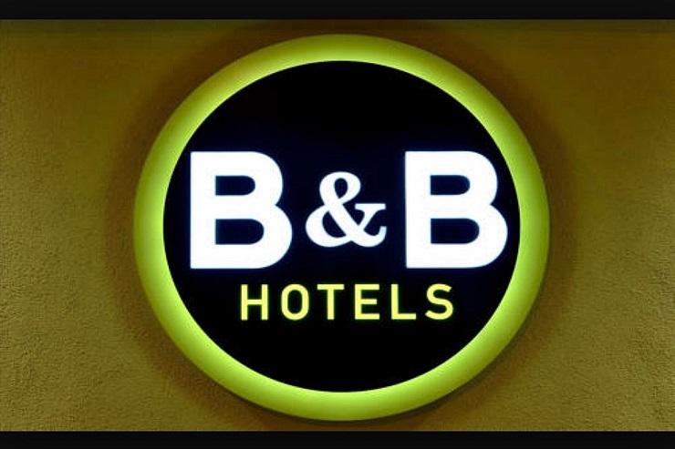 B&B hotel sign