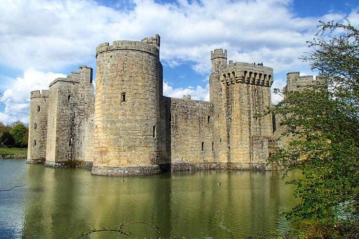 The moat arouond Bodiam Castle England History