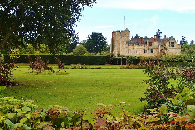 Side view of Hever Castle