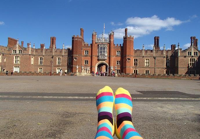 HappySocks selfie in front of Hampton Court Palace