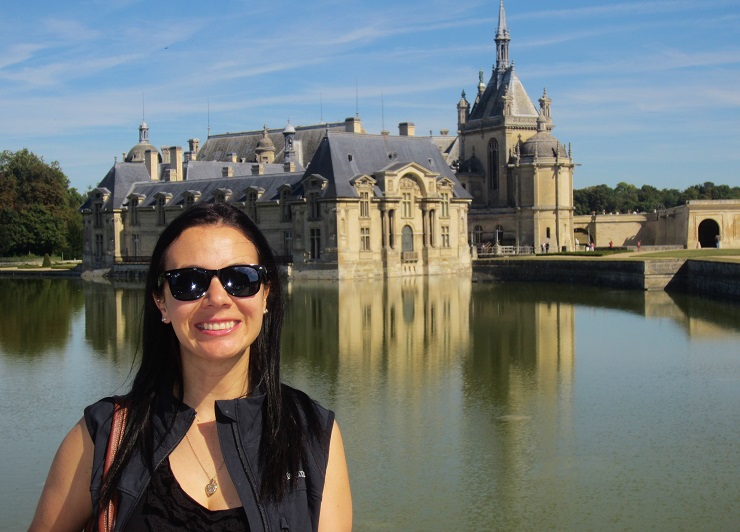 Mel in front of Chantilly Chateau