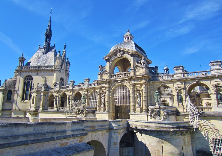Chateau Chantilly entrance bridge