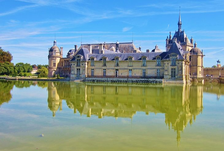 Looking over the watercourse to Chateau de Chantilly