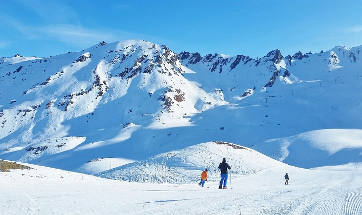 Skiing on a run in Val d'Isere