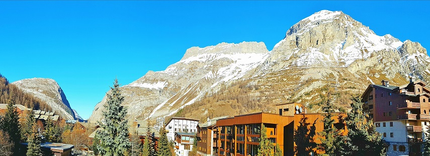 Panoramic view of Val d'Isere from the balcony
