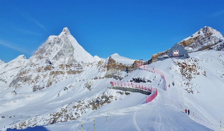 Skiing in Italy under the Matterhorn