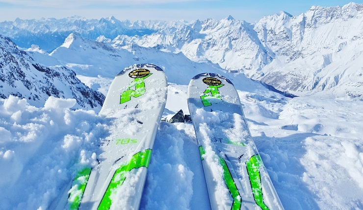 Tips of the skis with a background of the Italian Alps