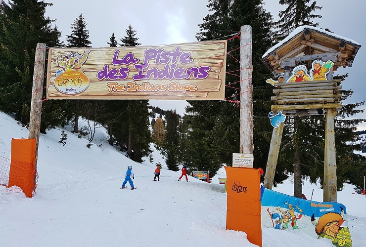 Entrance to The Grand Cry children's ski park