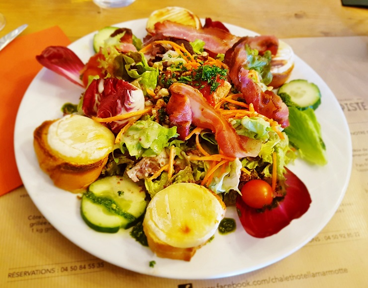 Goats cheese and Bacon salad