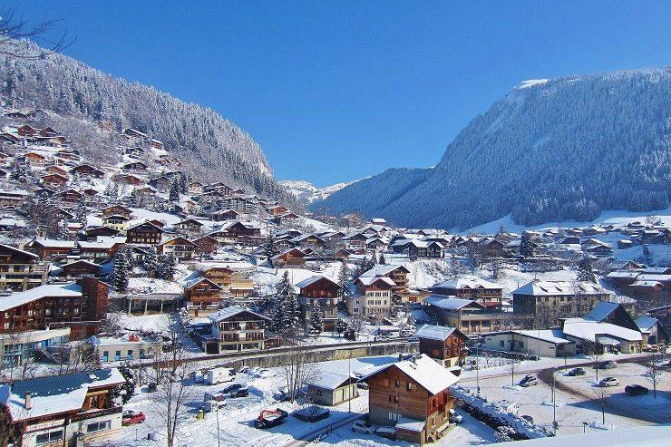 Skiing in Morzine ski resort France