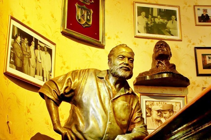 statue of Ernest Hemingway - interesting facts about havana cuba