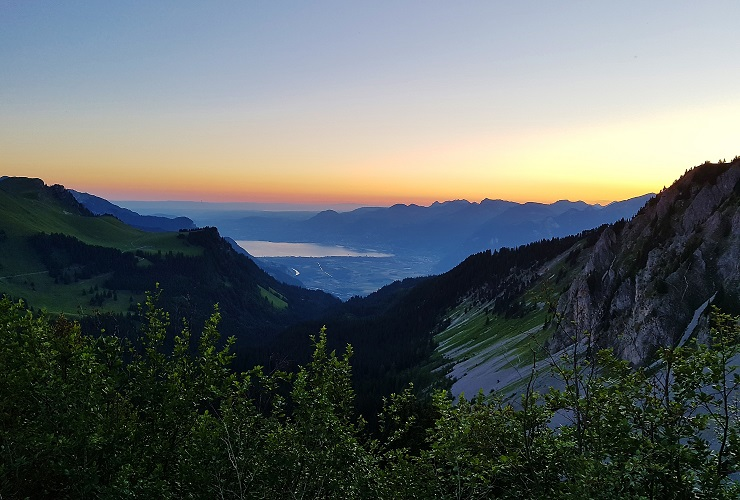 Sunrise view of Lake Geneva from Swiss Alps