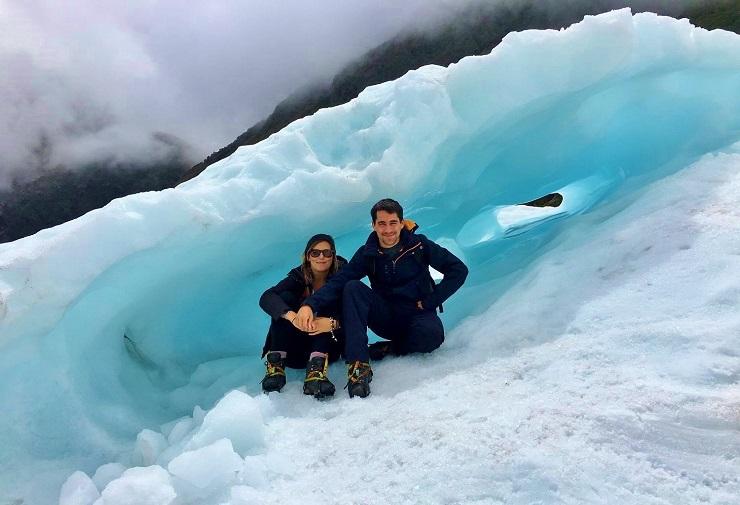 Travel Bloggers Hiking under fox glacier
