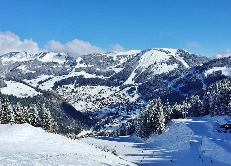 Skiing Chatel Ski Resort France Portes du Soleil
