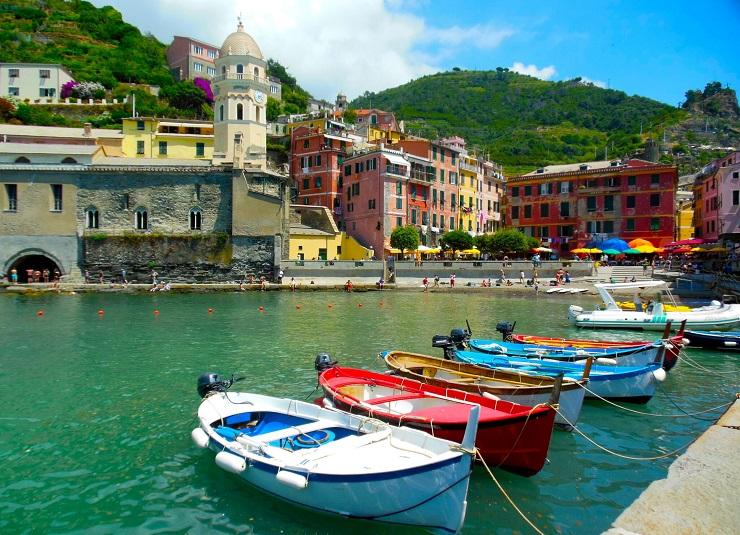 boats moored in Vernazza, Cinque Terre, Italy