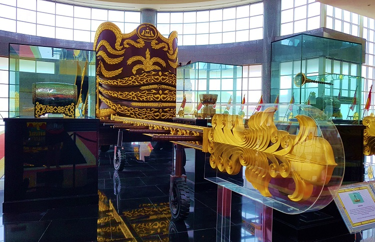 Royal chariot in the museum