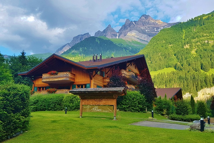 The Lodge with mountains in the background
