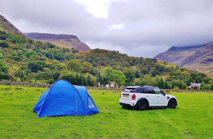 Mini and tent in our campsite