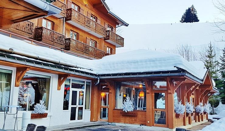 Main entrance to Hotel Beauregard