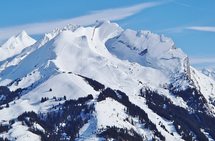 Snow covered mountains of La Clusaz Ski Resort