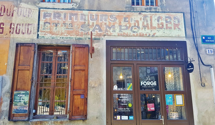 Front facade of La Forge Des Halles - Where to eat in Chambery France