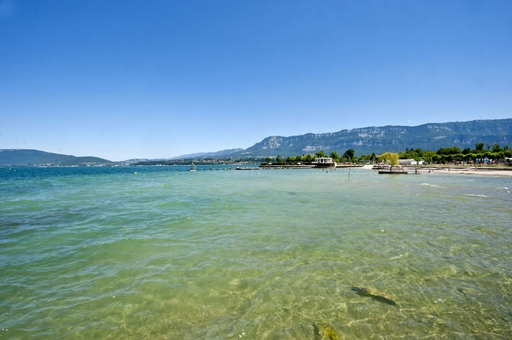 Clear waters of Lac Bourget