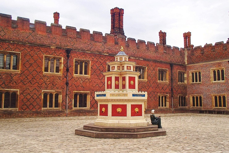 What to see at Courtyard Hampton Court Palace England