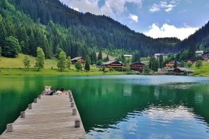 Things to do Lake Chatel France Portes du Soleil