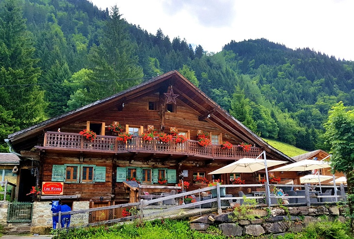 Restaurant Cantine des Rives in the mountains Champery Switzerland