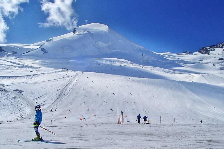 Ski Frields Saas Fee Switzerland