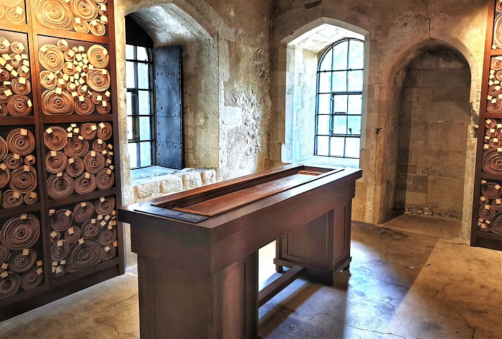 Discover whats inside Jewel Tower London