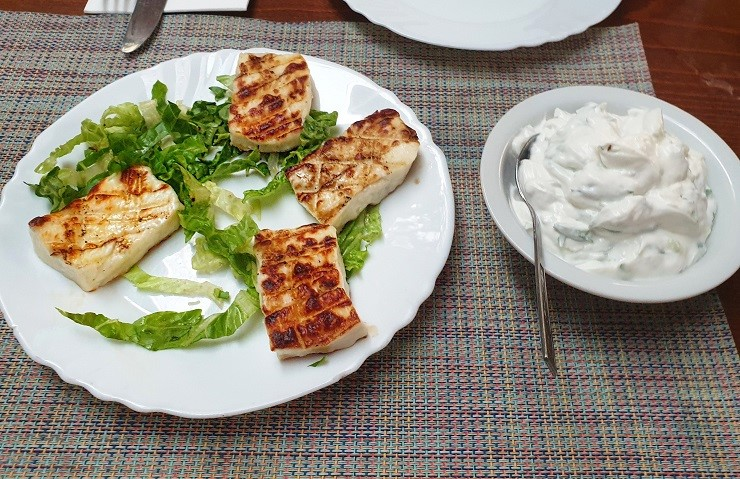 fried halloumi cheese places to eat in Nicosia